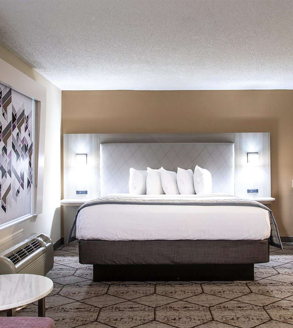 TAKE A LOOK AT THE ELEGANT GUEST SUITES, AND AMENITIES AT OUR CONCORD/CHARLOTTE, NC HOTEL