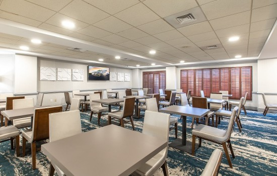 Welcome To Wingate by Wyndham Concord Charlotte Area Hotel - Breakfast Seating