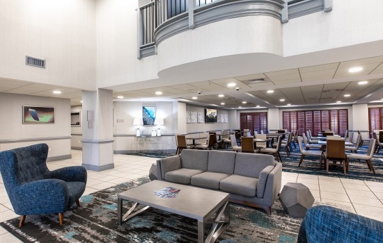 Welcome To Wingate by Wyndham Concord Charlotte Area Hotel - Lobby Seating